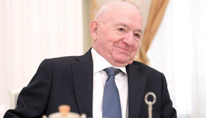 В Ереване украли статуи Никиты Симоняна и еще трех тренеров
